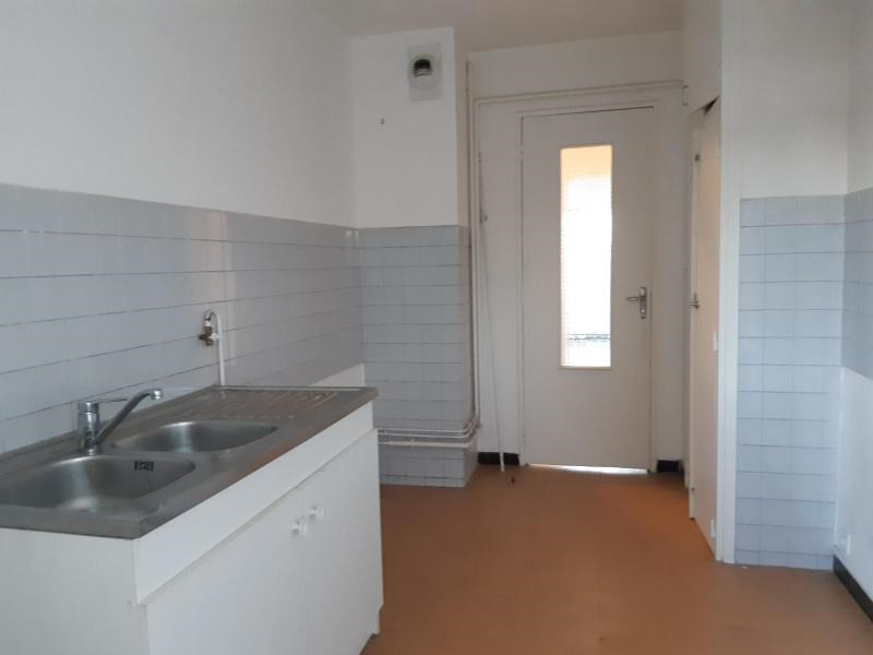 Location appartement Marseille 6ème 678€ CC - Photo 7