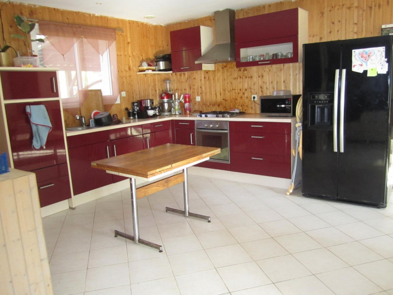 Sale house / villa Condéon 136 500€ - Picture 3