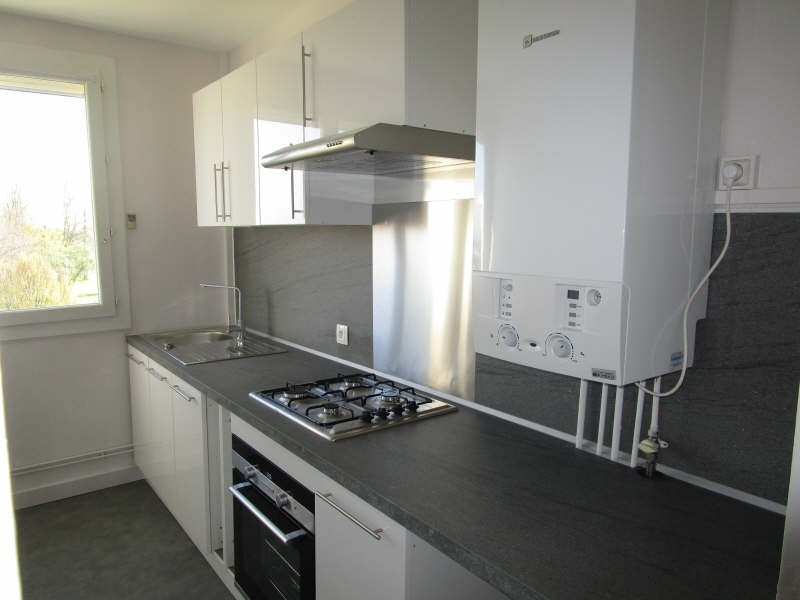 Rental apartment Carbon blanc 658€ CC - Picture 2