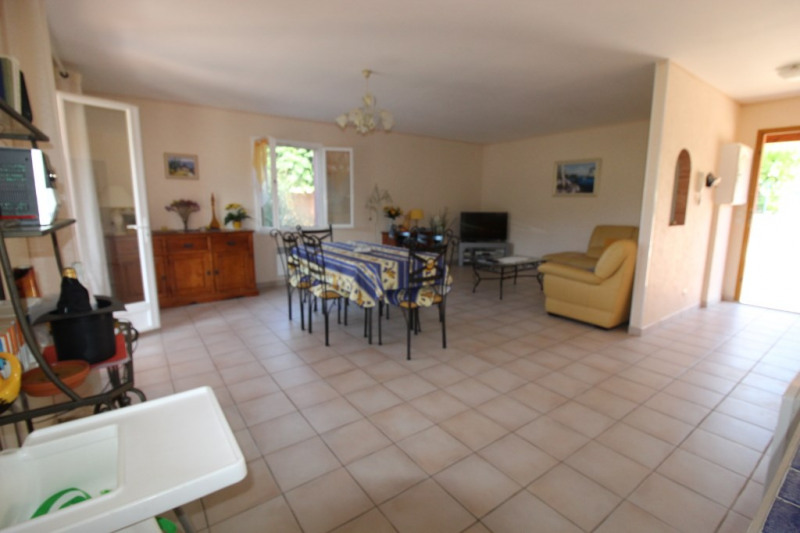Vente maison / villa Hyeres 490 000€ - Photo 4