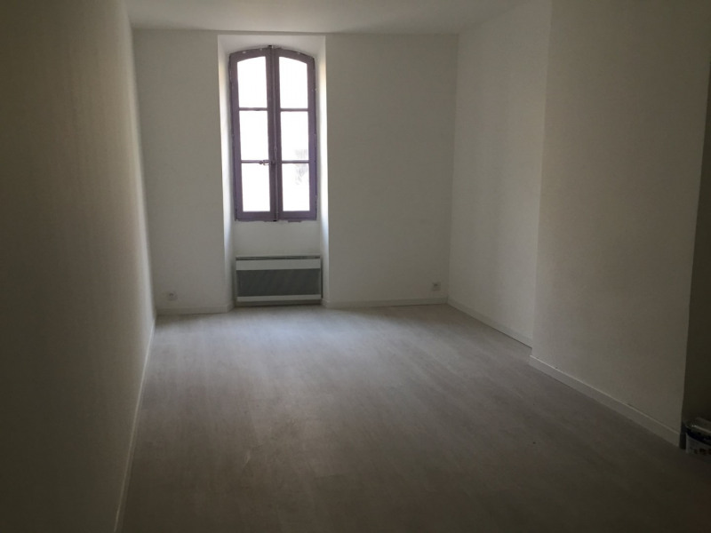 Rental apartment Rognes 525€ CC - Picture 2