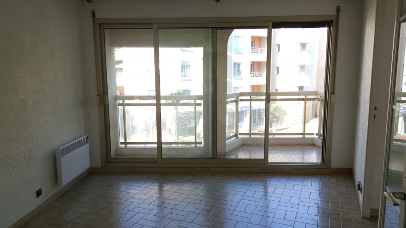 Rental apartment Saint-raphaël 733€ CC - Picture 1