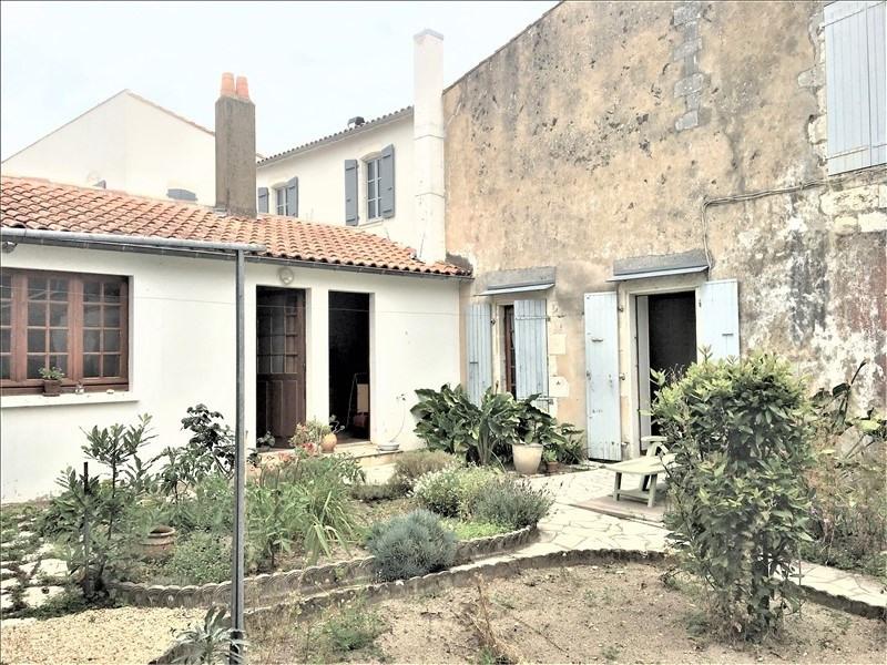 Deluxe sale house / villa La flotte 689000€ - Picture 1