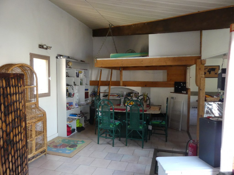 Rental house / villa Avignon 860€ CC - Picture 7