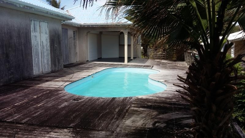 Sale house / villa Le moule 308000€ - Picture 1