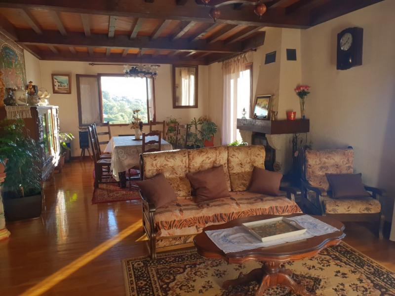 Sale house / villa Veyre monton 307400€ - Picture 2