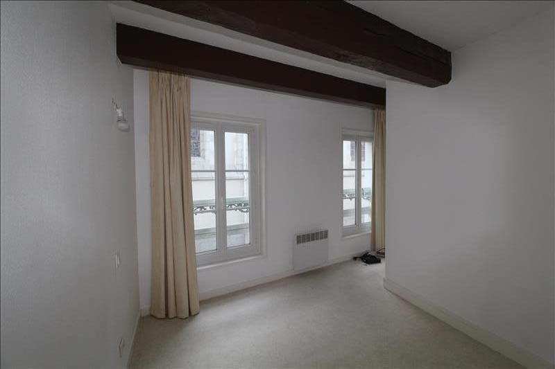 Rental apartment Le palais 420€ CC - Picture 2