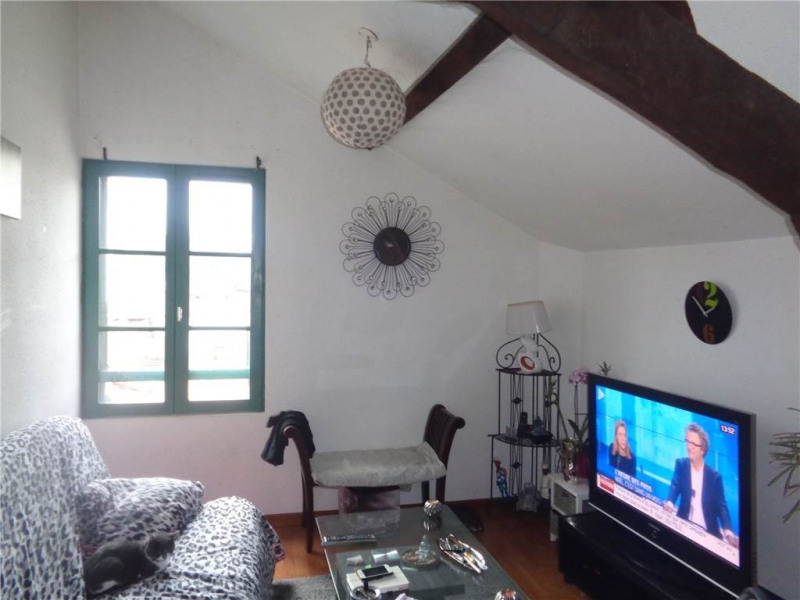 Rental apartment Villefranche-de-rouergue 300€ CC - Picture 2