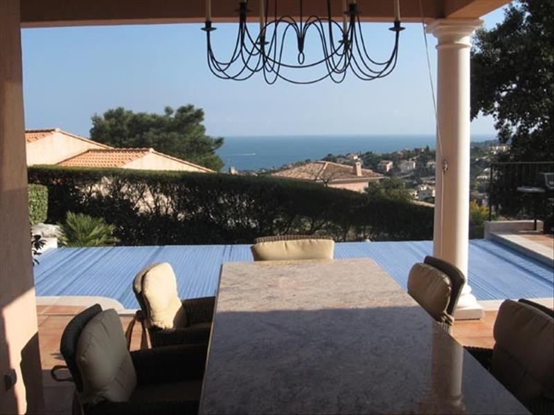 Deluxe sale house / villa Les issambres 1190000€ - Picture 2