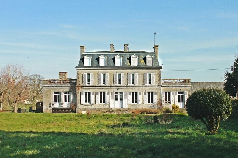 Sale house / villa Gratot 380 000€ - Picture 1
