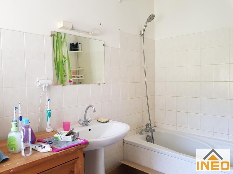 Location maison / villa St remy du plain 735€ CC - Photo 5