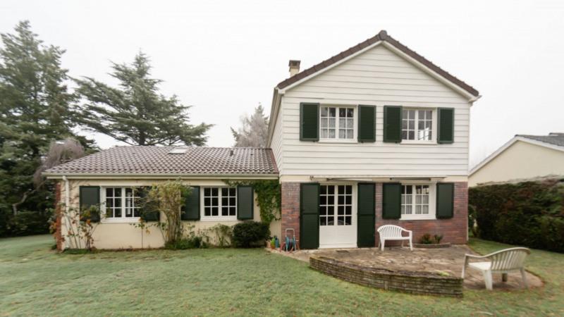 Sale house / villa Mennecy 374000€ - Picture 1