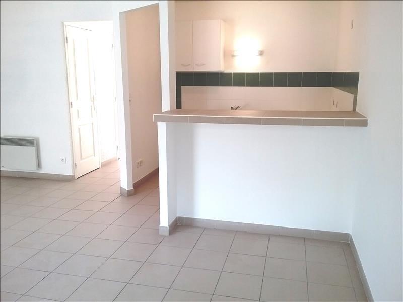 Rental house / villa St nazaire de pezan 690€ CC - Picture 5
