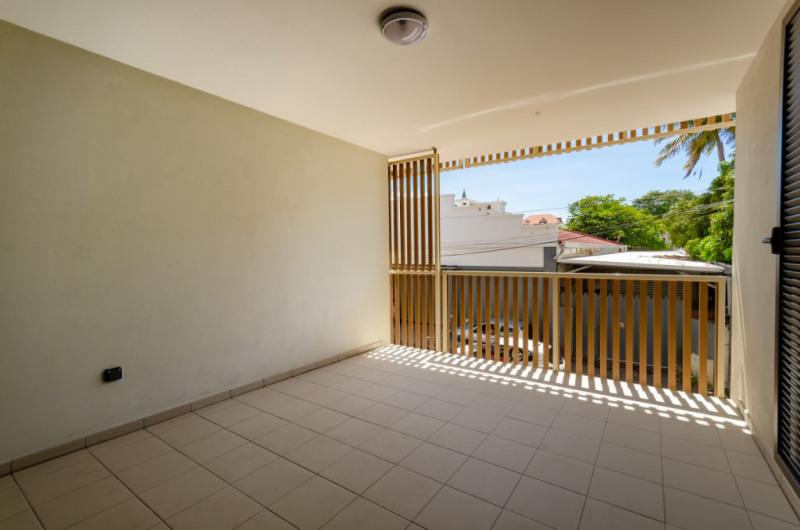 Rental apartment Saint pierre 885€ CC - Picture 5
