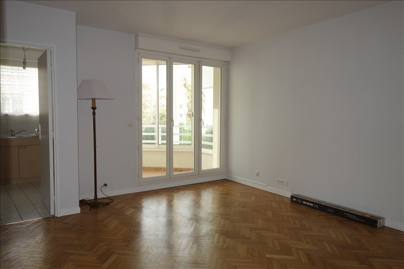 Rental apartment Le chesnay 970€ CC - Picture 3