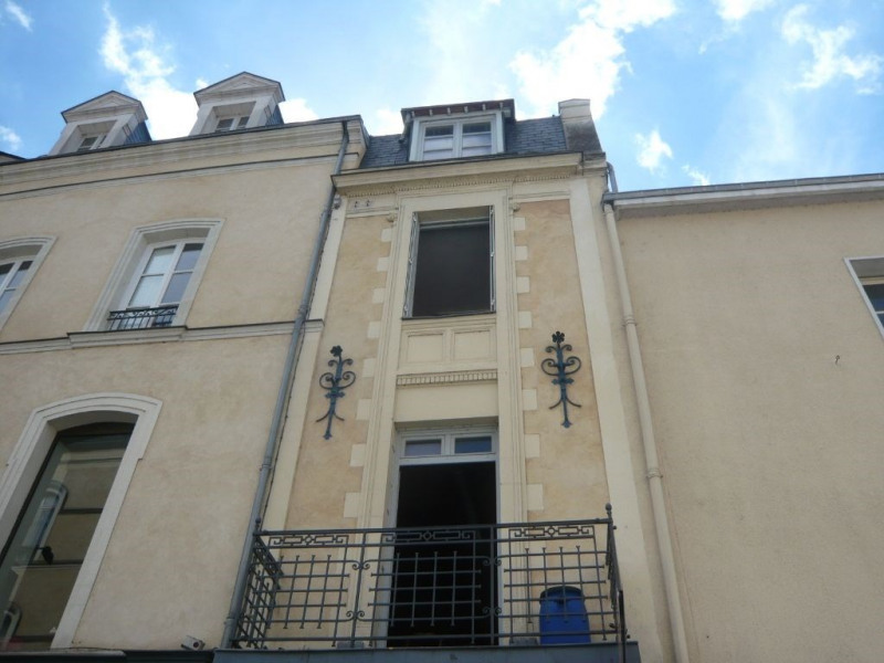 Investment property building Laval 144000€ - Picture 1