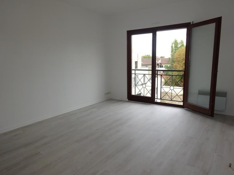 Rental apartment Le raincy 695€ CC - Picture 3