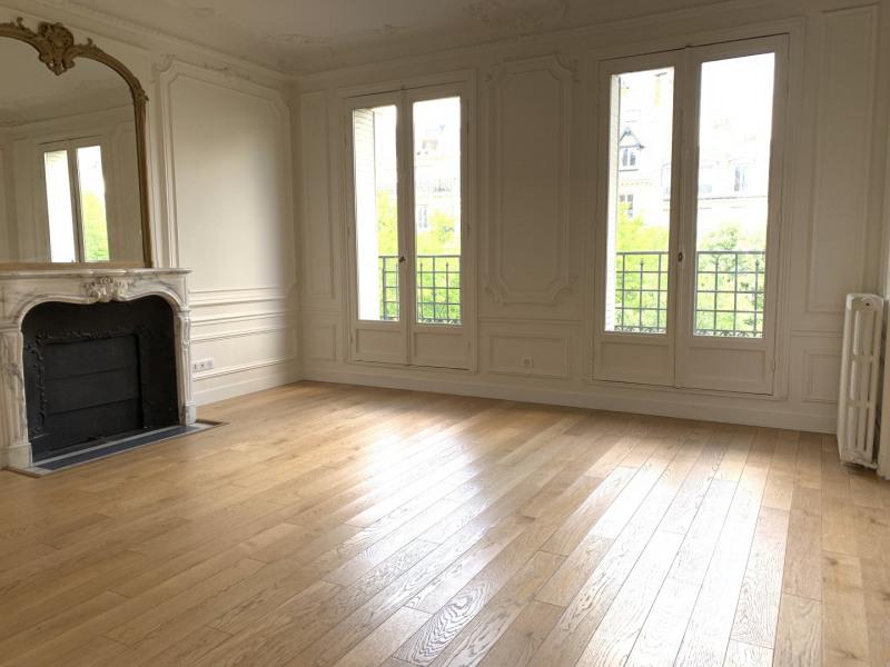 Location appartement Paris 8ème 2932€ CC - Photo 3