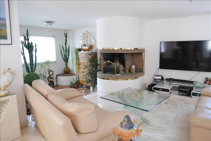 Deluxe sale house / villa Trets 699900€ - Picture 1