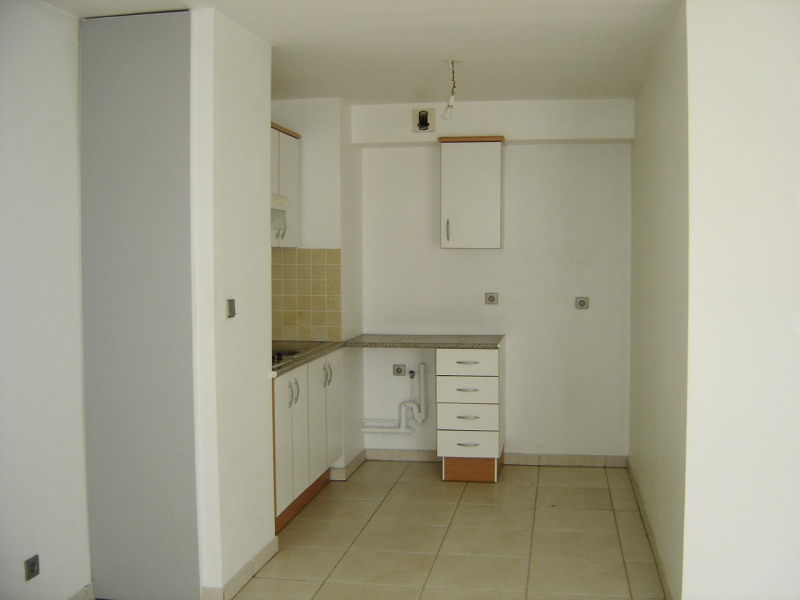 Rental apartment Saint denis 610€ CC - Picture 3