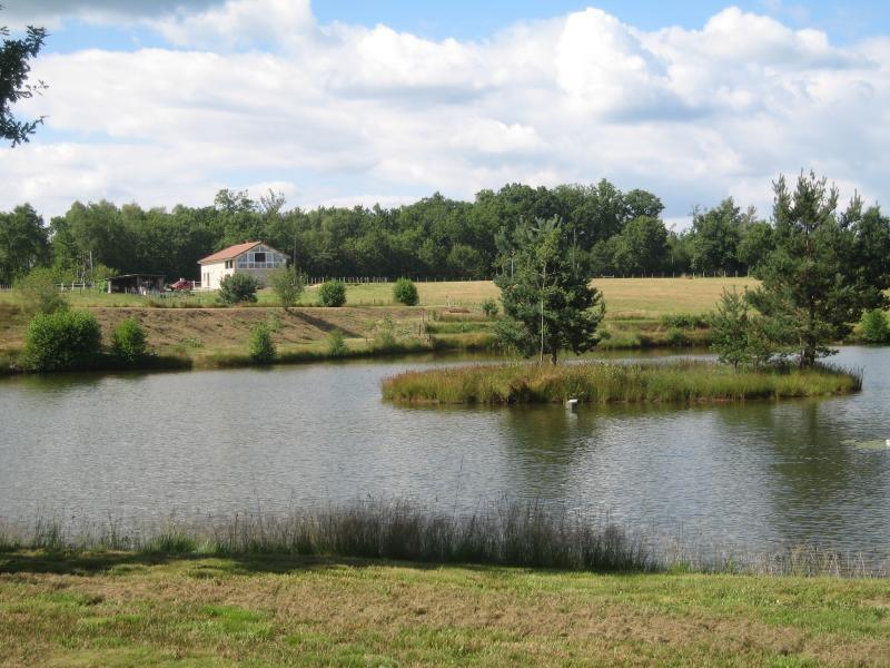 Vente maison / villa Nontron 378000€ - Photo 2