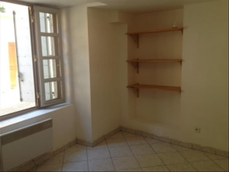 Rental apartment Cremieu 460€ CC - Picture 3