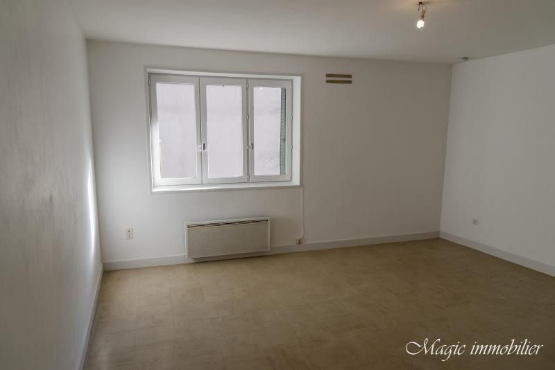 Rental apartment Nantua 246€ CC - Picture 1