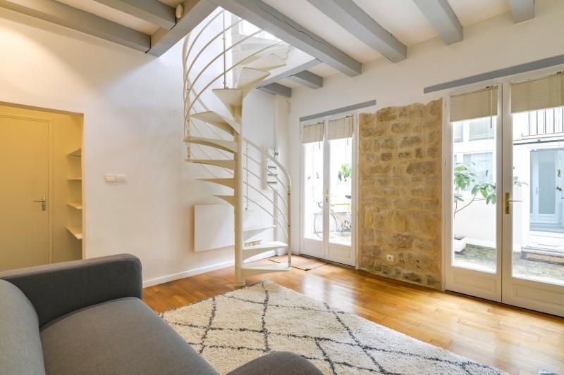 Rental apartment Paris 3ème 2250€ CC - Picture 3