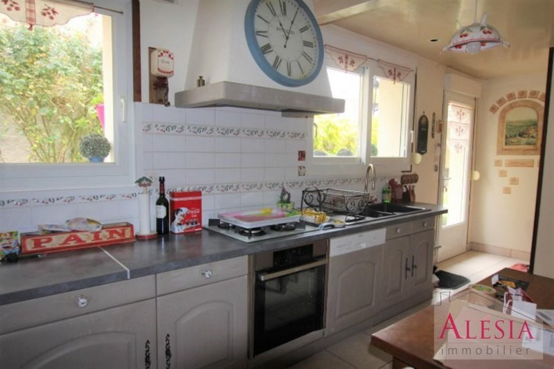 Sale house / villa Châlons-en-champagne 238000€ - Picture 5