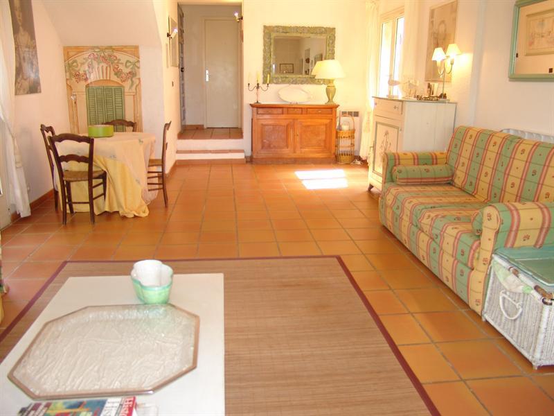 Location vacances maison / villa La croix valmer 770€ - Photo 7