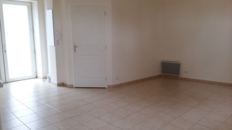Locação apartamento Ballainvilliers 545€ CC - Fotografia 2