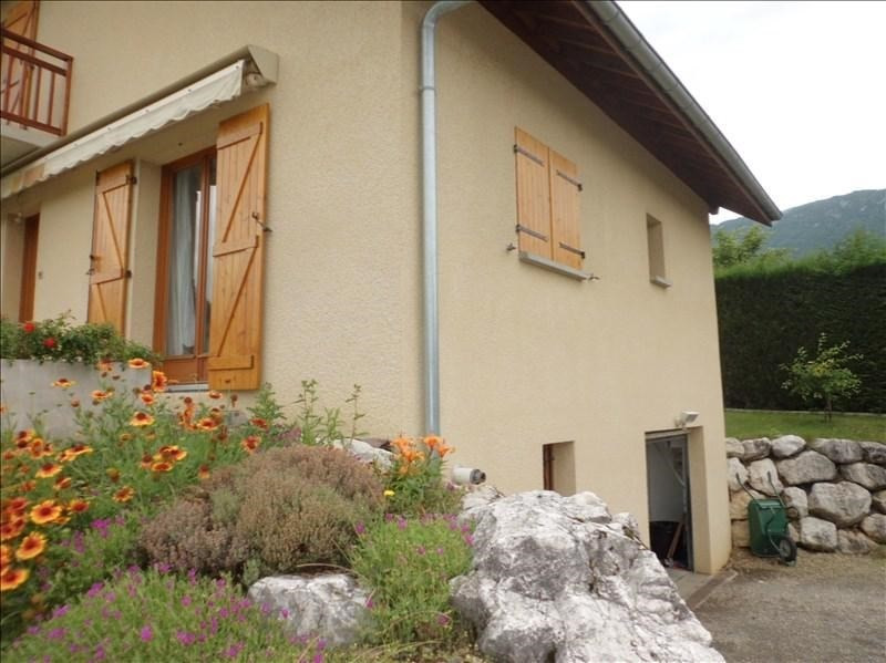Rental house / villa Les marches 1 329€ CC - Picture 5