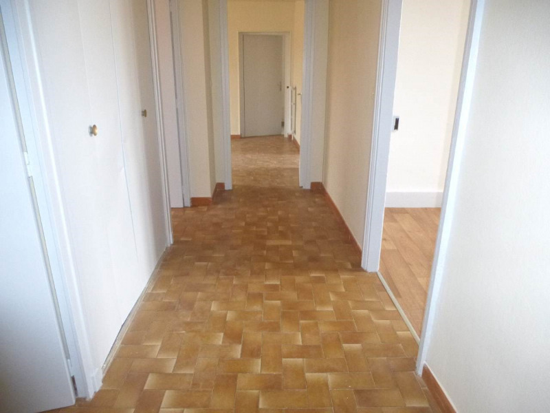 Location appartement Aubenas 559€ CC - Photo 7