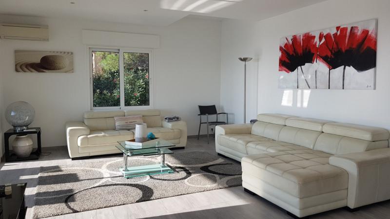 Vacation rental house / villa Cavalaire sur mer 4800€ - Picture 5