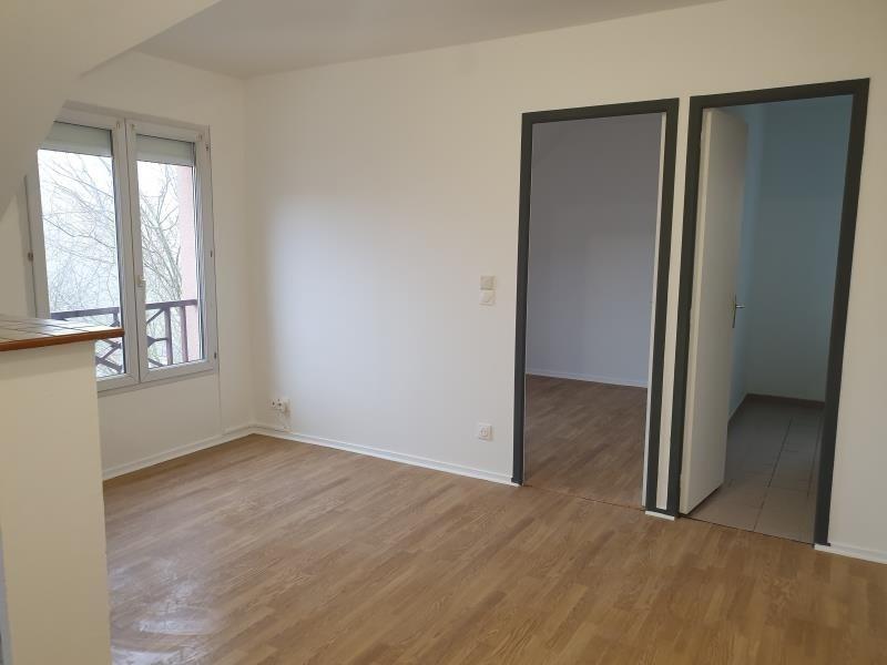 Rental apartment Beaumont sur oise 630€ CC - Picture 2