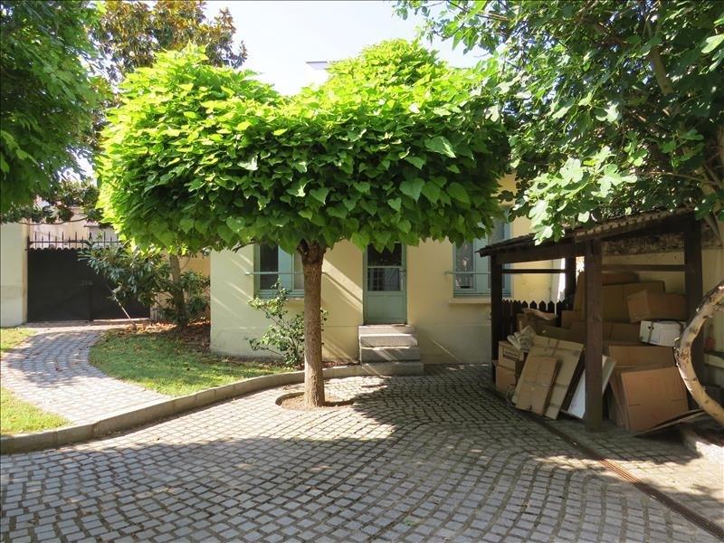 Rental house / villa Le mesnil le roi 3850€ CC - Picture 3