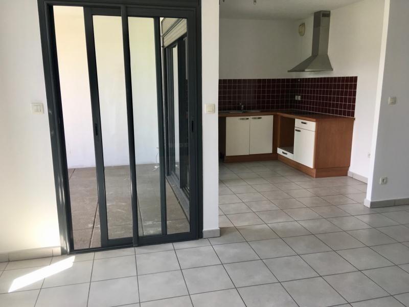 Sale apartment St pierre 235000€ - Picture 1