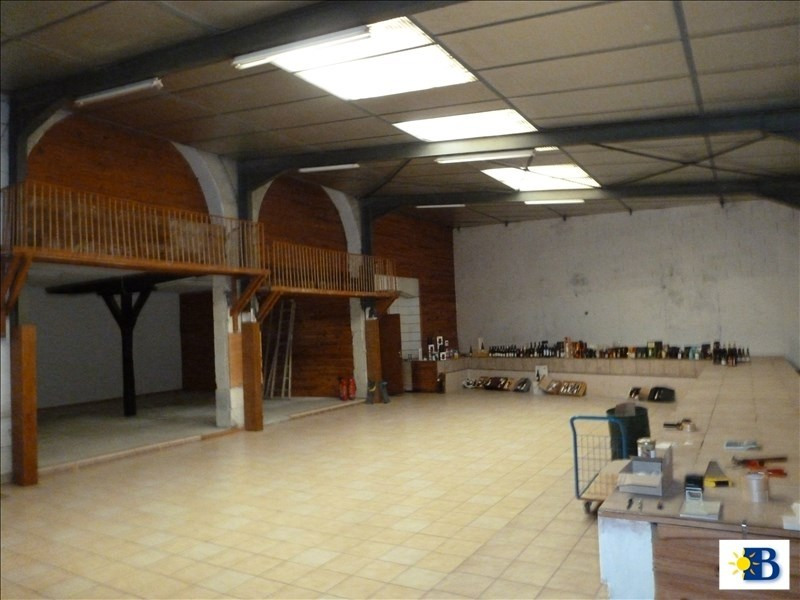 Location local commercial Chatellerault 950€ HT/HC - Photo 4