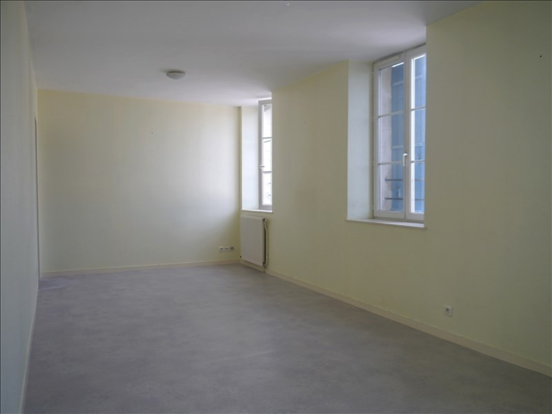 Rental apartment Tesson 418€ CC - Picture 3