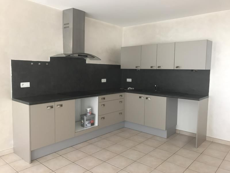 Location maison / villa Peprignan 895€ CC - Photo 3