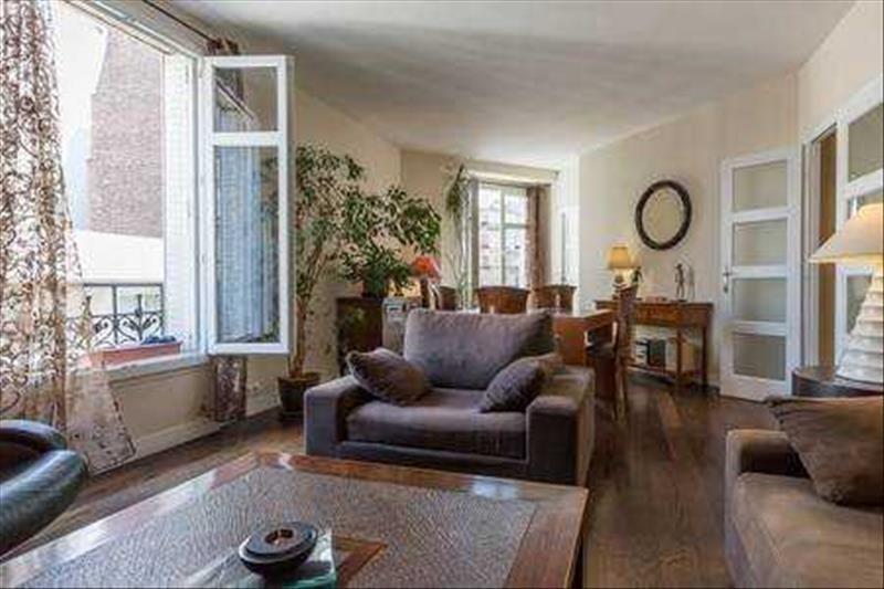 Locação apartamento Paris 15ème 1590€ CC - Fotografia 2