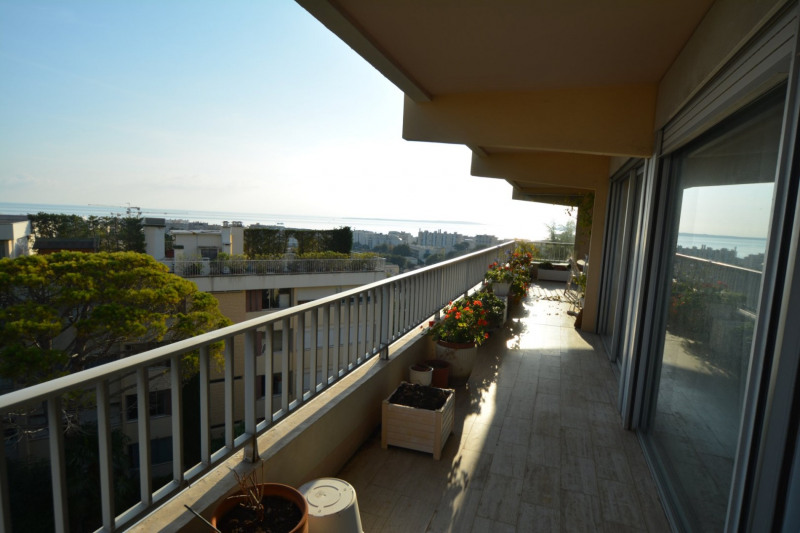 Deluxe sale apartment Antibes 693000€ - Picture 4