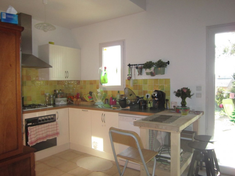Location maison / villa Lambesc 1 180€ CC - Photo 4