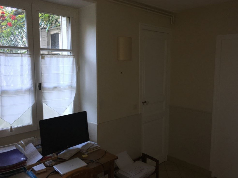 Rental apartment Versailles 855€ CC - Picture 3