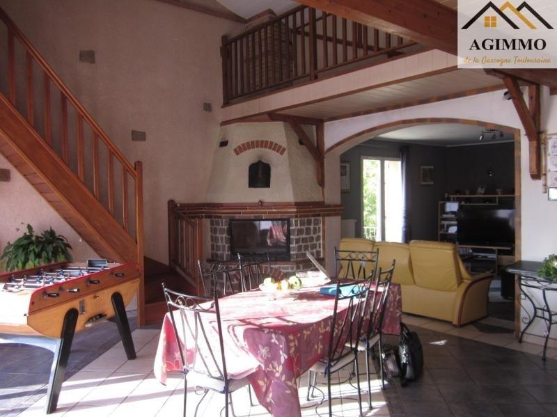 Sale house / villa L isle jourdain 282000€ - Picture 2