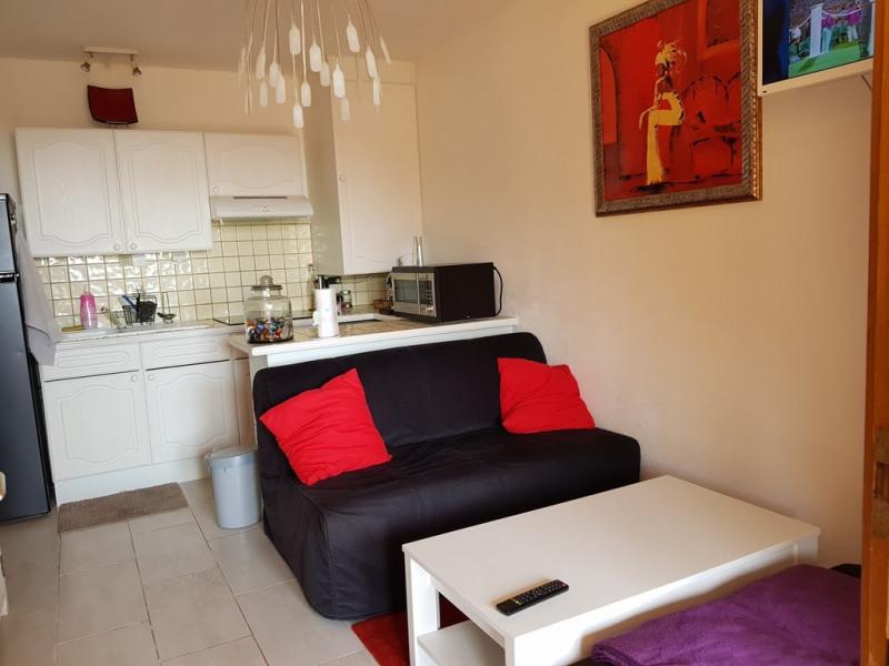Vacation rental apartment Cavalaire sur mer 400€ - Picture 7
