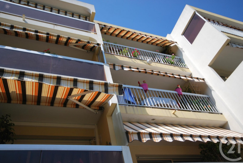 Verhuren  appartement Antibes 810€ CC - Foto 3