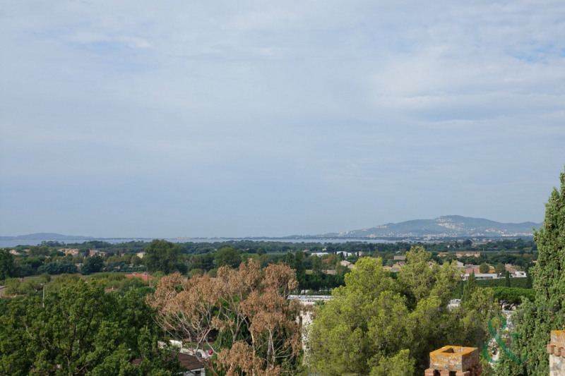 Deluxe sale apartment La londe les maures 602 900€ - Picture 1