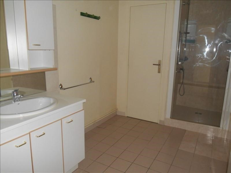 Location appartement Troyes 575€ CC - Photo 3