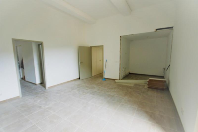 Rental apartment Meyrargues 1176€ CC - Picture 7